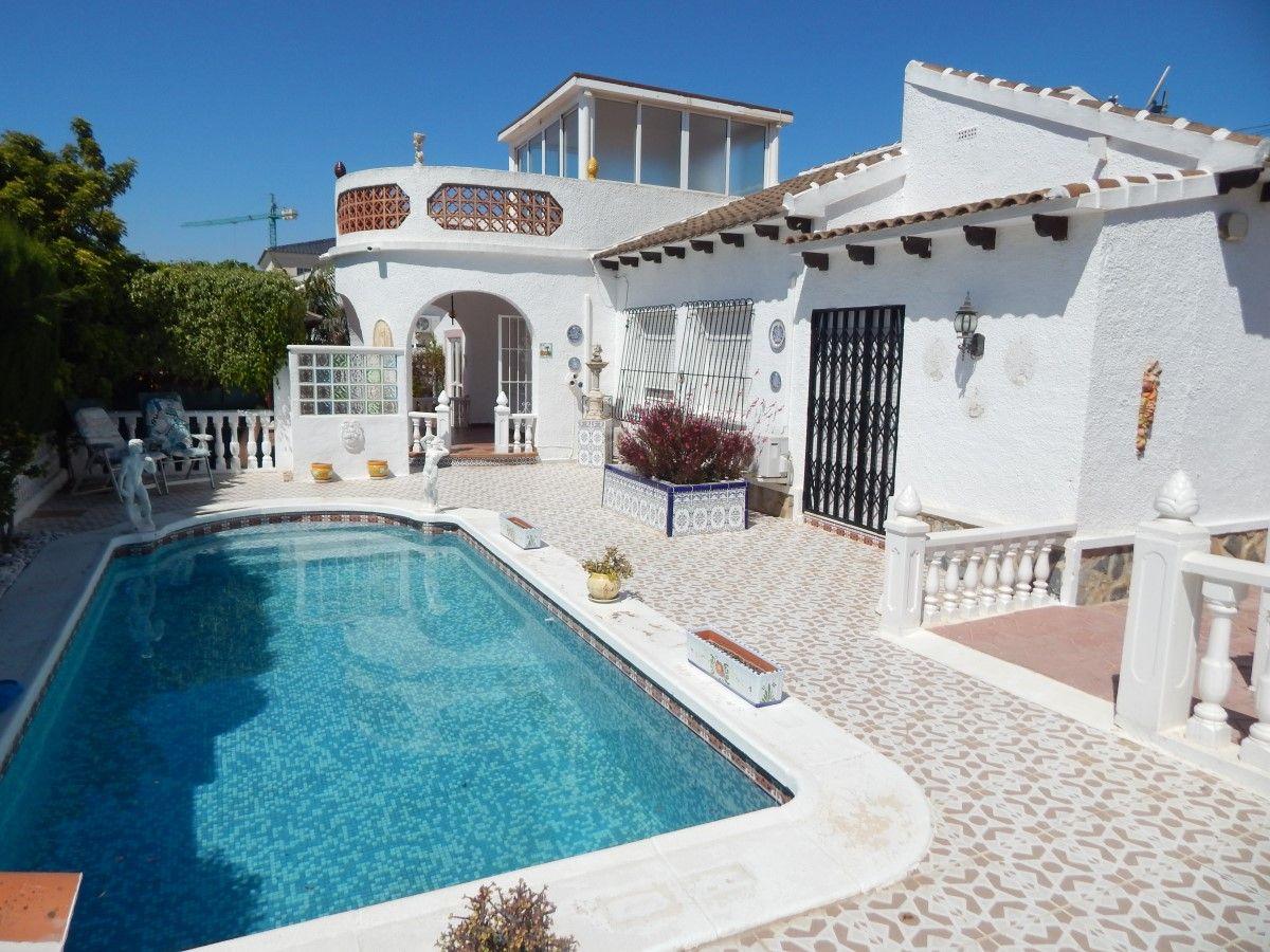 2 bedroom, 1 bathroom villa in San Miguel de Salinas only 189,995 euros