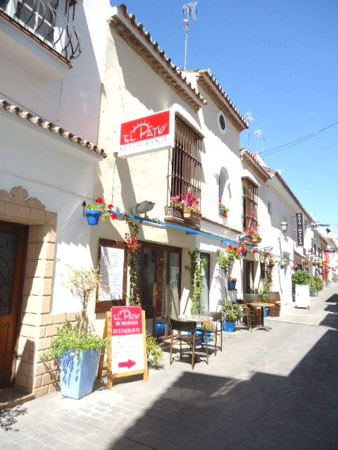 3 bedroom, 2 bathroom restaurant in Estepona (Town Centre (centro)) only 850,000 euros