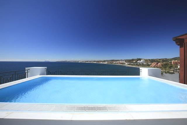 3 bedroom, 3 bathroom atico - penthouse in Estepona (West Estepona) only 1,900,000 euros
