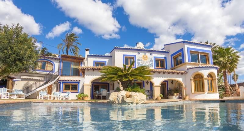 7 bedroom, 6 bathroom villa in Calpe only 3,700,000 euros