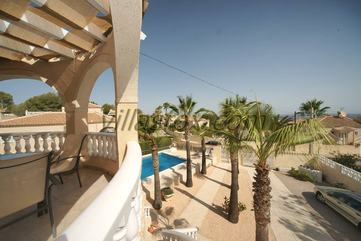 5 bedroom luxury villa, San Miguel de Salinas with self-contained apartment, office sun terrace etc