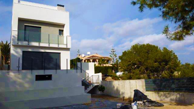 3 bedroom, 2 bathroom villa in Torrevieja (Los Balcones) only 435,000 euros
