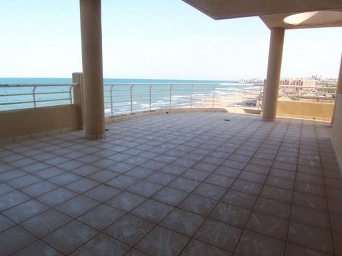 5 bedroom, 2 bathroom apartment in Torrevieja (La Mata) only 890,000 euros