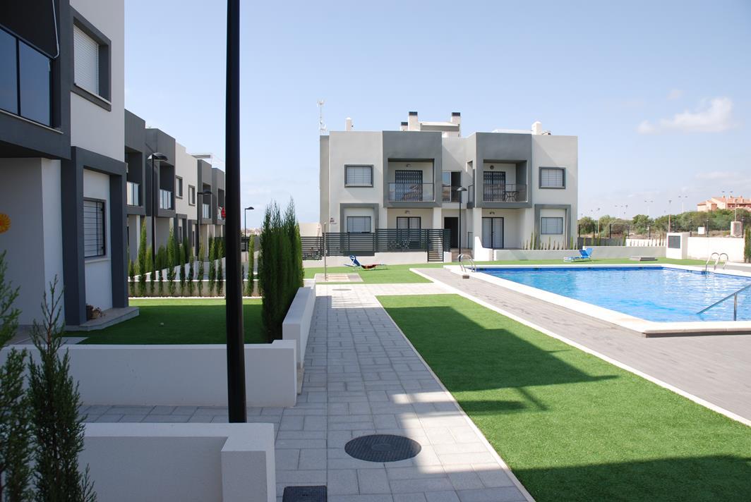 3 bedroom, 2 bathroom apartment in Torrevieja (Aguas Nuevas) only 185,000 euros