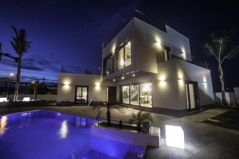 3 bedroom, 3 bathroom villa in Orihuela Costa (Campoamor) only 799,000 euros