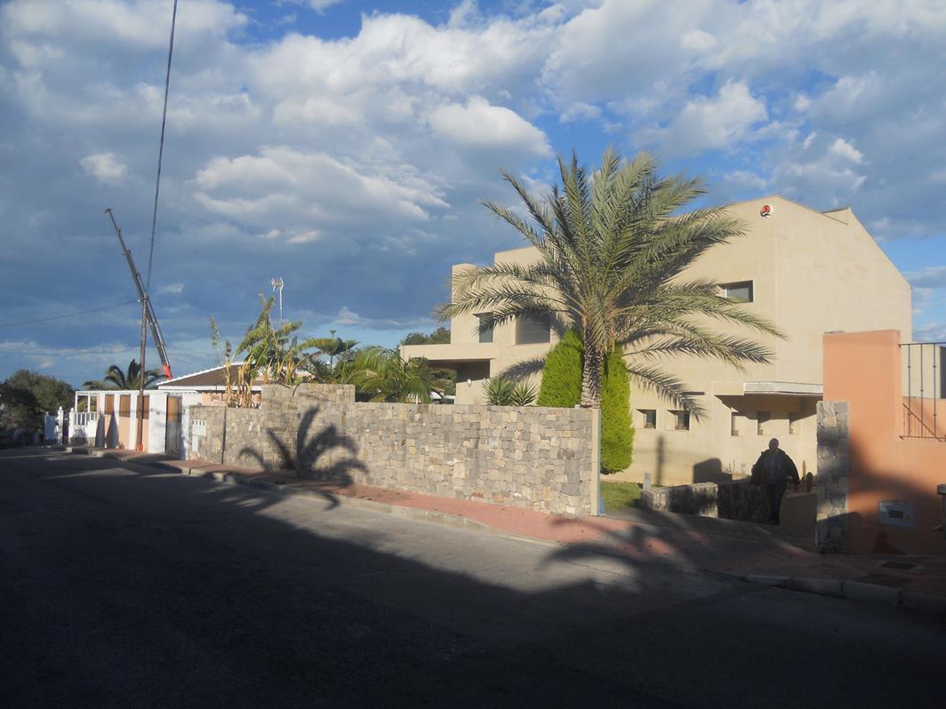 4 bedroom, 4 bathroom villa in Torrevieja (Los Balcones) only 1,350,000 euros