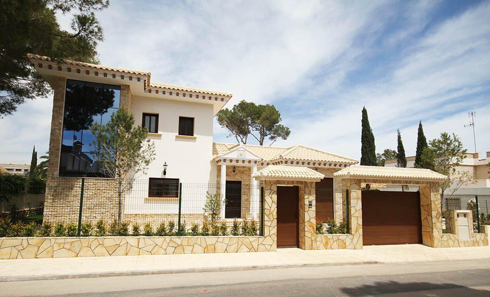 3 bedroom, 3 bathroom villa in Orihuela Costa (Campoamor) only 975,000 euros