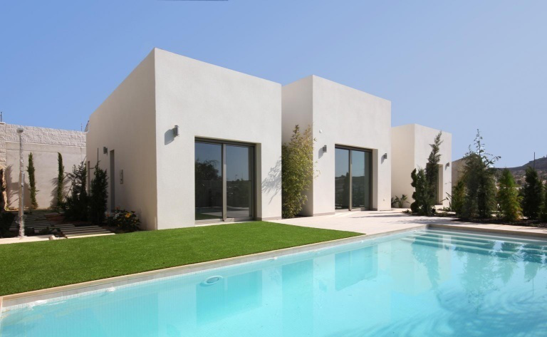 3 bedroom, 3 bathroom villa in San Miguel de Salinas only 695,000 euros