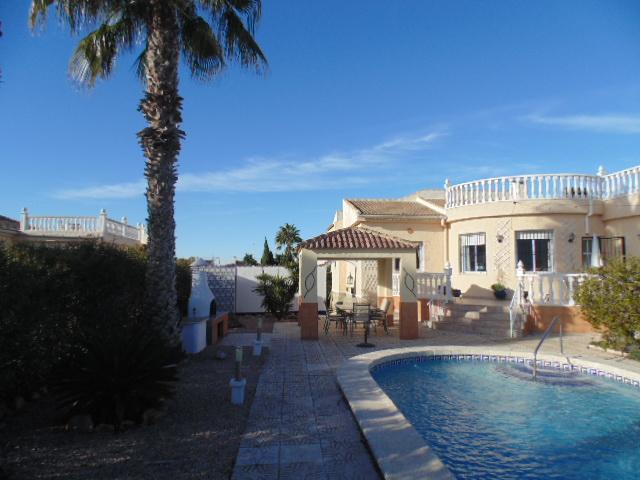 3 bedroom, 2 bathroom villa in Torrevieja (San Luis) only 245,000 euros