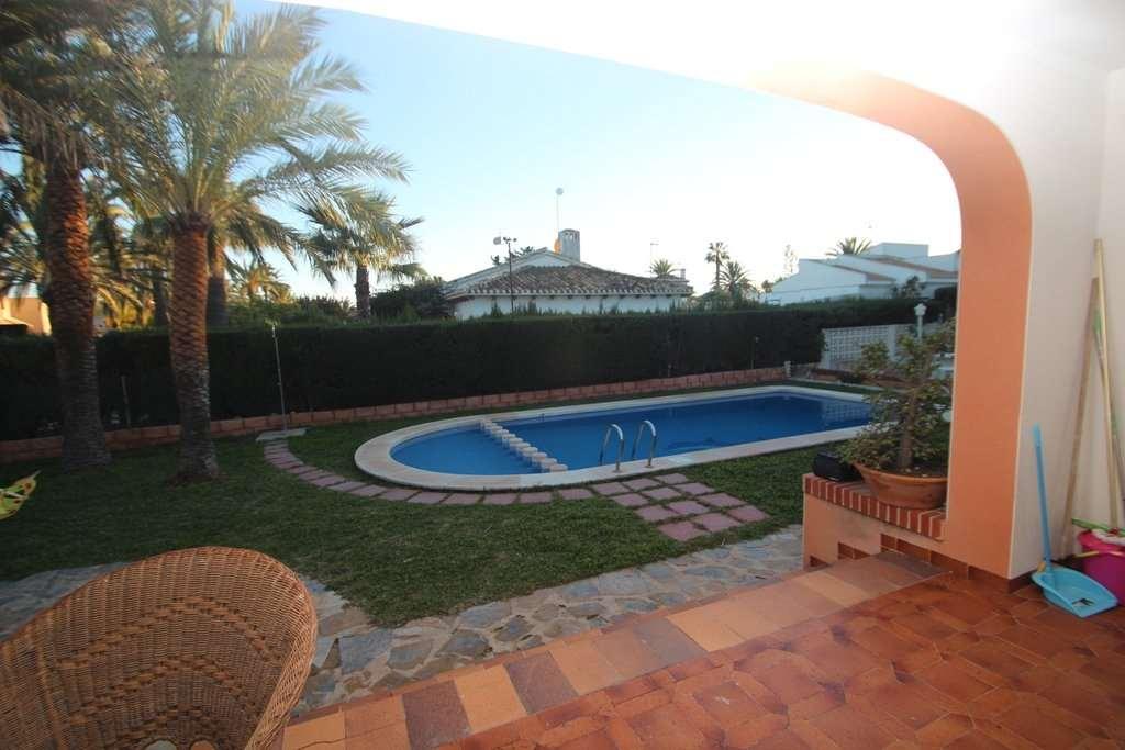 4 bedroom, 3 bathroom villa in Orihuela Costa (Cabo Roig) only 690,000 euros