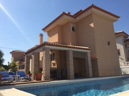 4 bedroom, 2 bathroom villa in San Miguel de Salinas only 350,000 euros