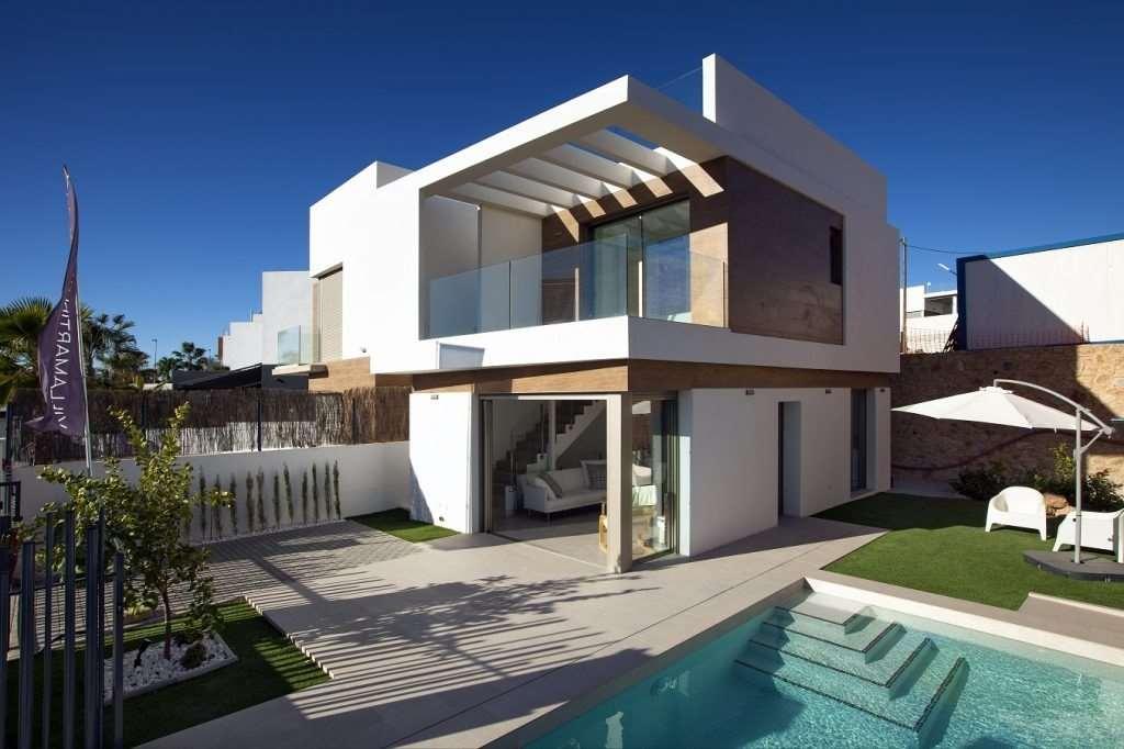 3 bedroom, 3 bathroom villa in Orihuela Costa (Villamartin) only 224,900 euros