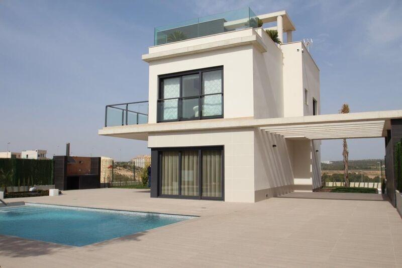 4 bedroom, 3 bathroom villa in Orihuela Costa (Punta Prima) only 1,000,000 euros