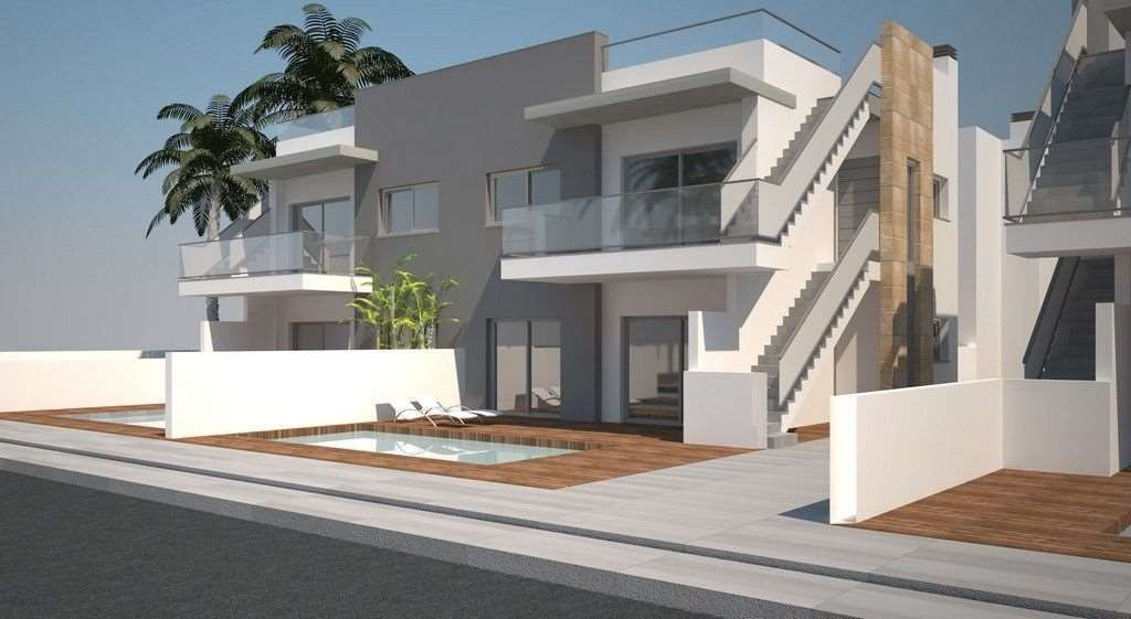 4 bedroom, 2 bathroom apartment in Torrevieja only 255,000 euros