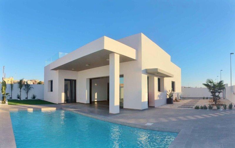3 bedroom, 2 bathroom detached villa in Benijofar (Benijofar Villas) only 269,500 euros