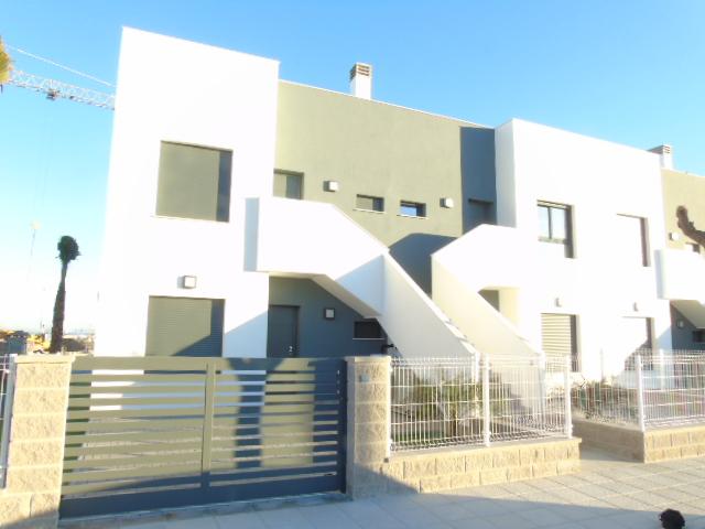 2 bedroom, 2 bathroom apartment in Pilar De La Horadada (Lamar Resort) only 139,000 euros