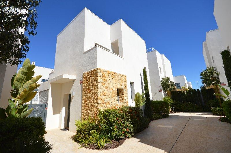 2 bedroom, 2 bathroom detached villa in Ciudad Quesada (Rojales) only 230,000 euros
