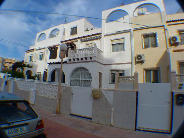 2 bedroom, 1 bathroom townhouse in Torrevieja (Calas Blancas) only 90,000 euros