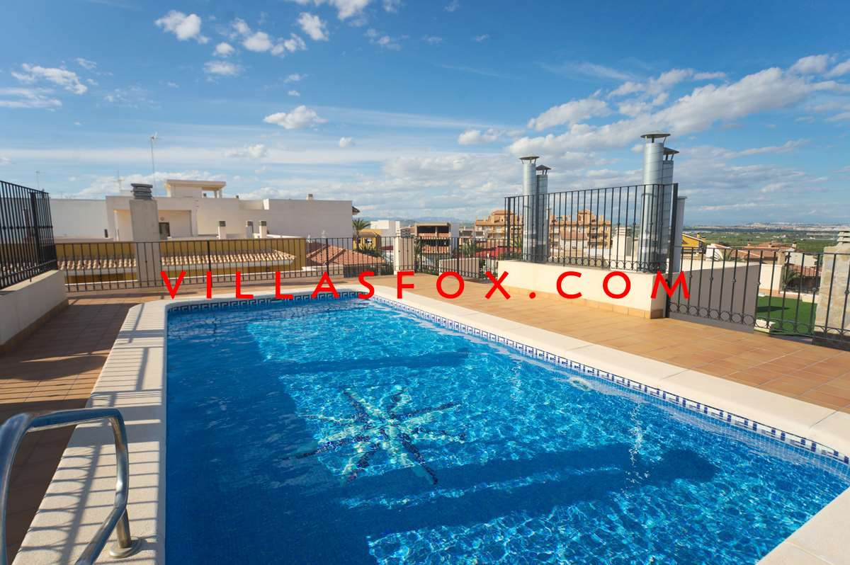 2 bedroom, 2 bathroom luxury modern apartment with pool, San Miguel de Salinas, now only 75,000 euro