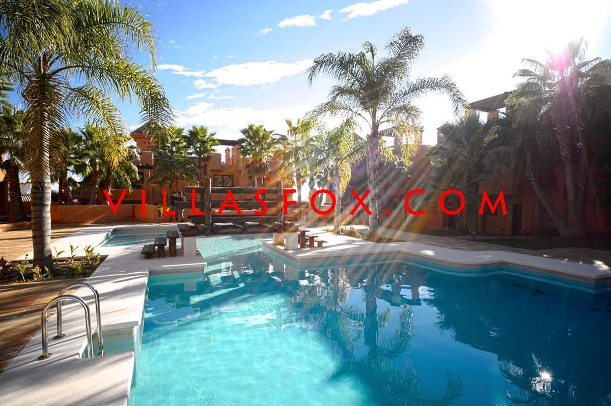 Only 1 left!  Fantastic new townhouses, with luxurious tropical pool, secure complex only 174,000 €