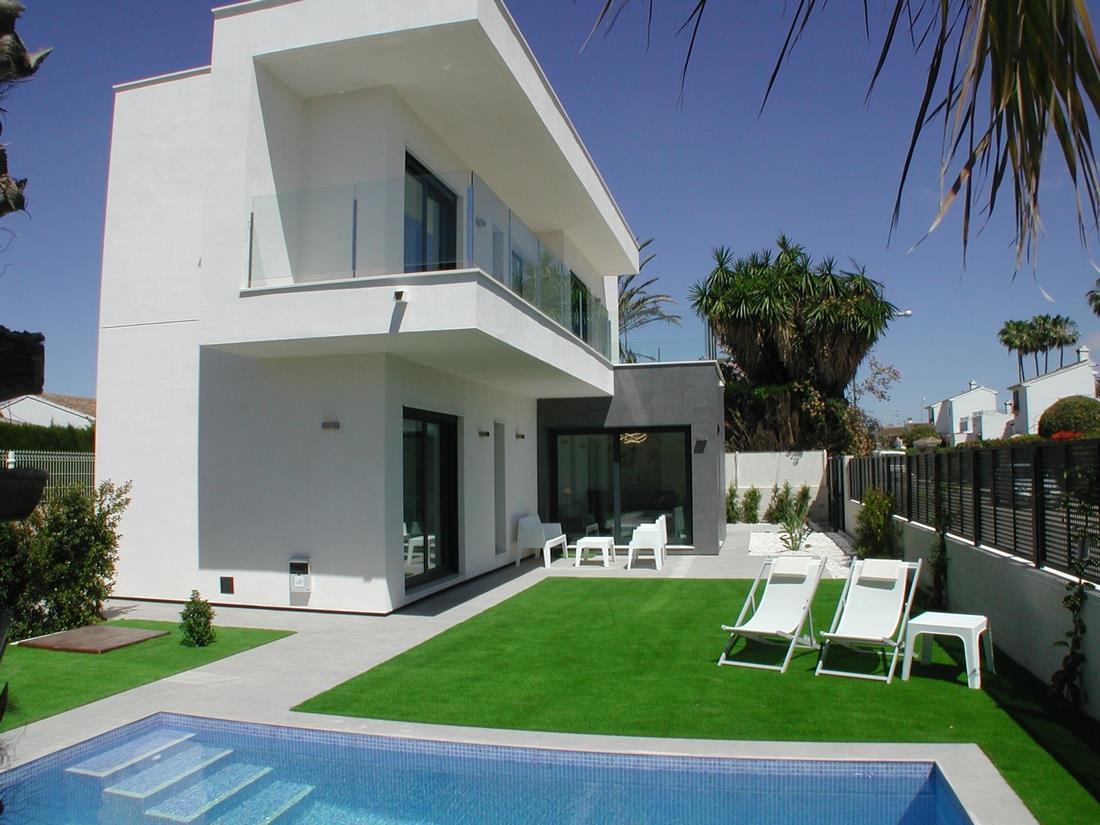 3 bedroom, 3 bathroom villa in Mar Menor only 322,000 euros