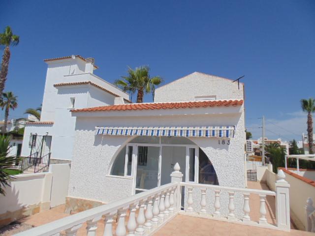 3 bedroom, 2 bathroom villa in San Miguel de Salinas (Blue Lagoon) only 129,000 euros