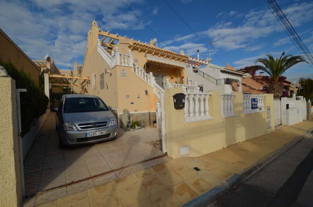 2 bedroom, 1 bathroom villa in San Miguel de Salinas (Blue Lagoon) only 110,000 euros