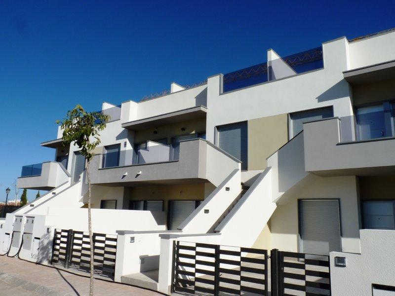2 bedroom, 2 bathroom apartment in Pilar De La Horadada (Res. Novo Alegre) only 123,000 euros