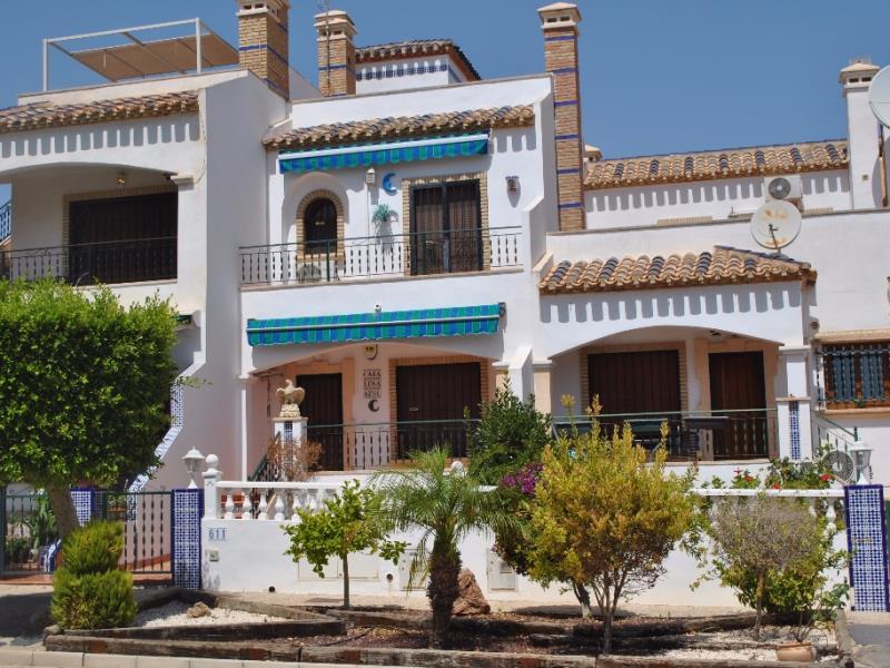 2 bedroom, 2 bathroom townhouse in Orihuela Costa (Villamartin) only 134,950 euros