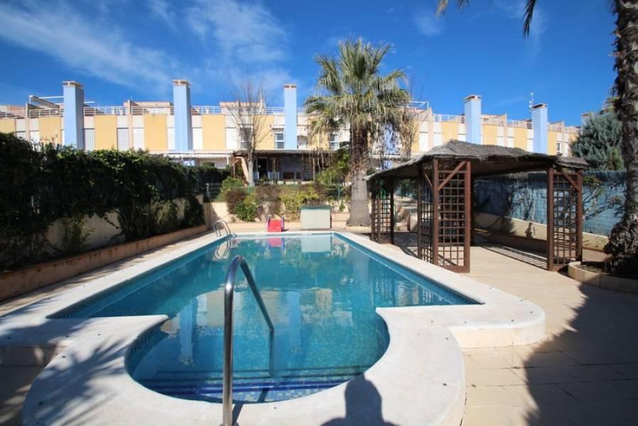 6 bedroom, 4 bathroom townhouse in Orihuela Costa (Campoamor) only 680,000 euros