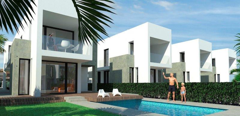 3 bedroom, 3 bathroom detached villa in La Marina (El Pinet) only 380,000 euros