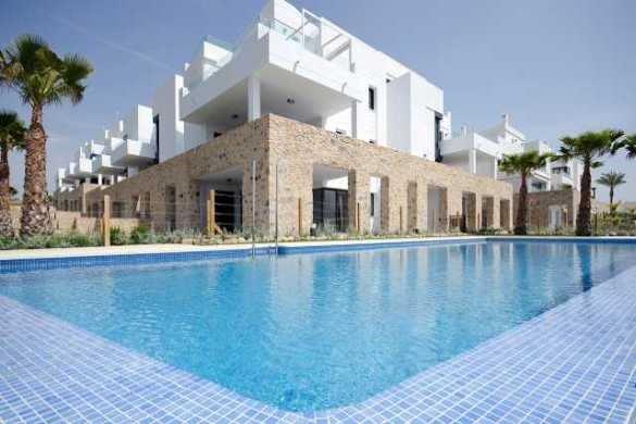 3 bedroom, 3 bathroom penthouse in Orihuela Costa (Villamartin) only 332,000 euros
