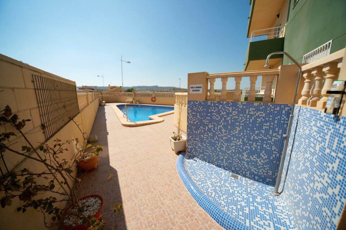 2 bedroom, 2 bathroom apartment in San Miguel de Salinas only 67,500 euros