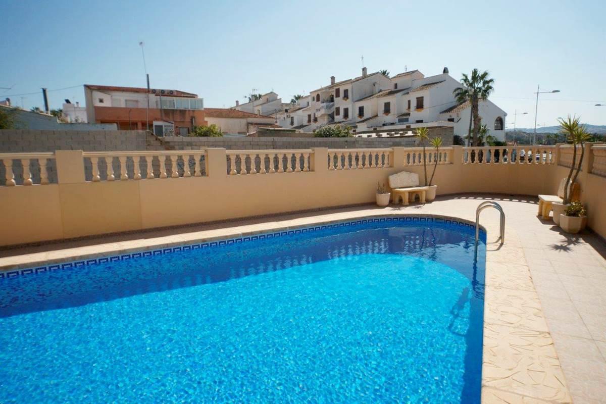 2 bedroom, 2 bathroom apartment in San Miguel de Salinas only 67,500 euros